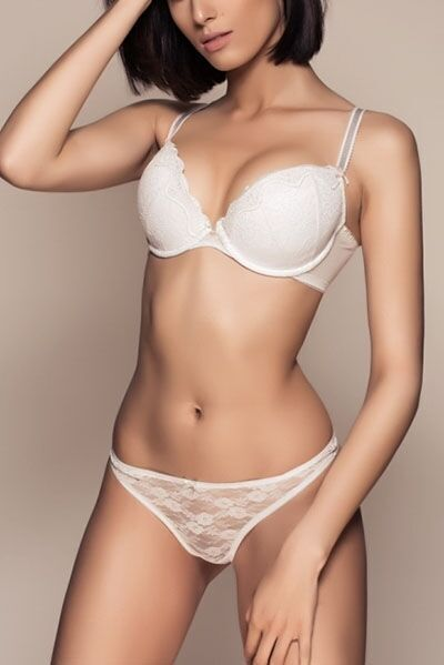 Exclusive Paris escort Nicole